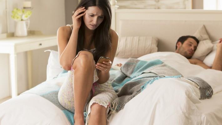 Reato di rapina in ambito domestico: il coniuge ha l'immunità?