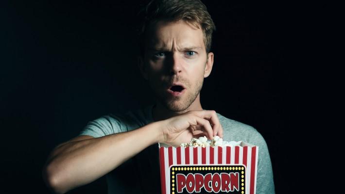 Porno infedeltà: vedere film porno è tradimento?