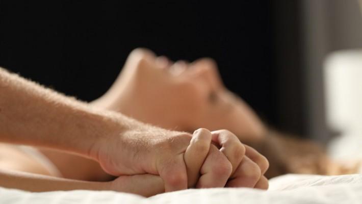 Qual è la posizione sessuale che favorisce l'orgasmo simultaneo?