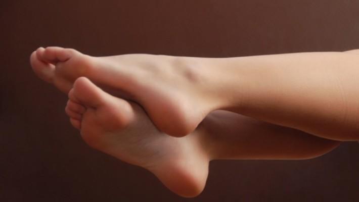 Provo attrazione sessuale per i piedi, cosa devo fare?